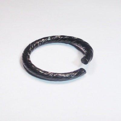 allu. ring rond versierd zwart 15x1,8 mm