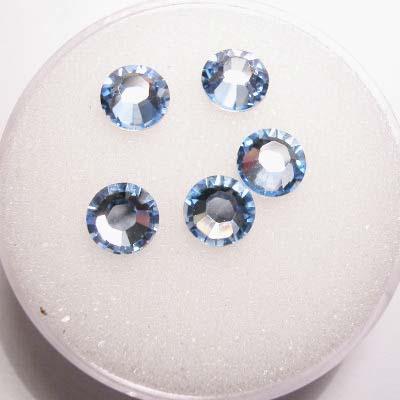 swarovski plaksteen rond light sapphire 6 mm